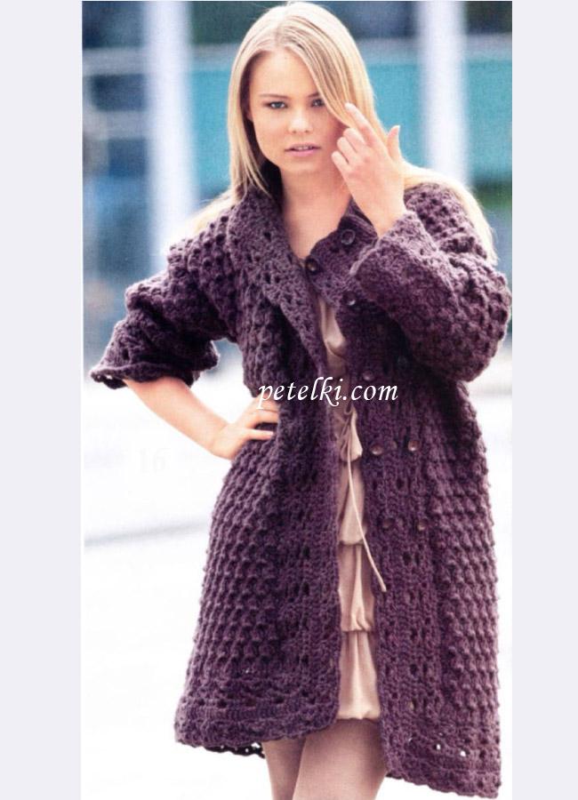 Двубортное пальто с узорчатыми