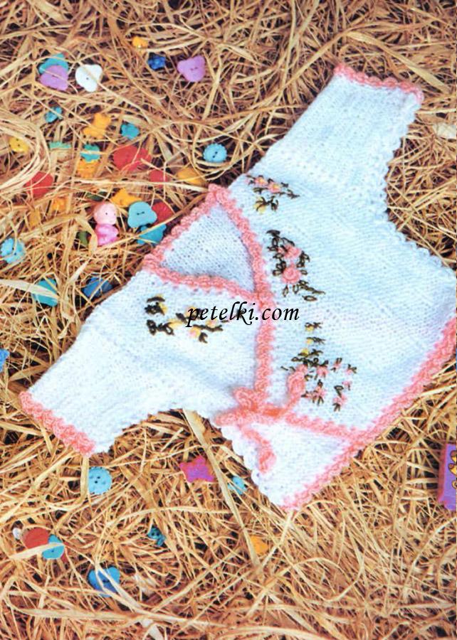 Распашонка с вышивкой для новорожденной