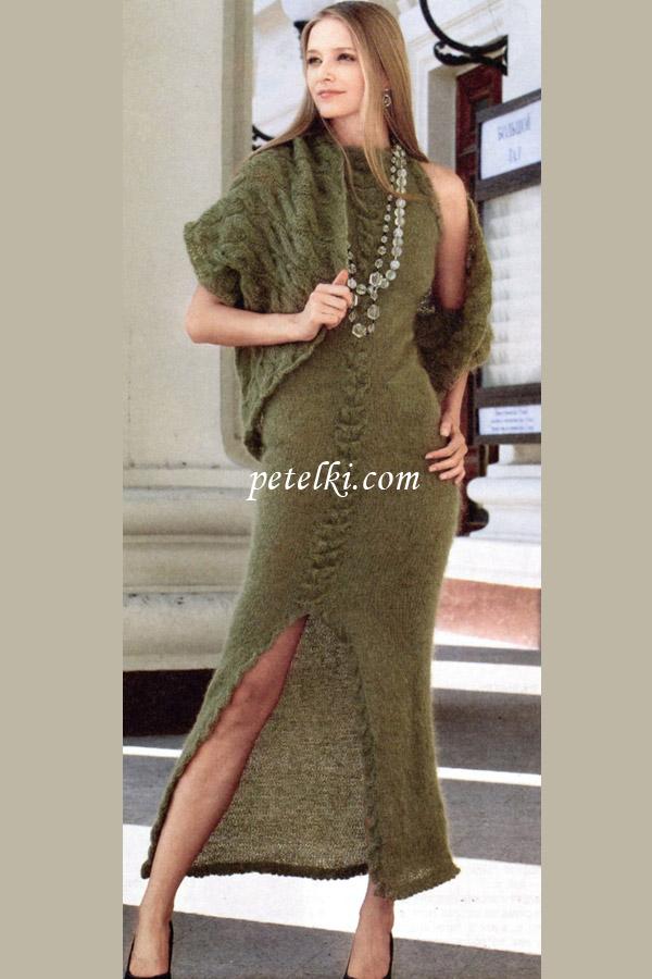 Длинное платье со шлицей и
