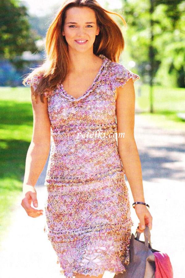 Кружевное платье с воланами